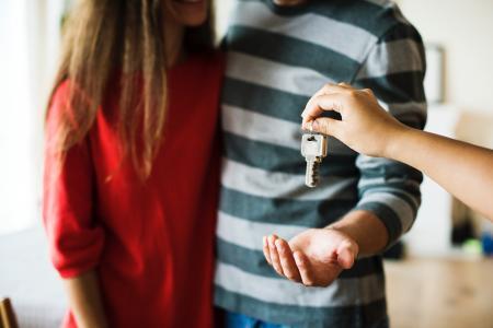 Cesta k vlastnímu bydlení se zhoršila díky úrokovým sazbám a cenám nemovitostí