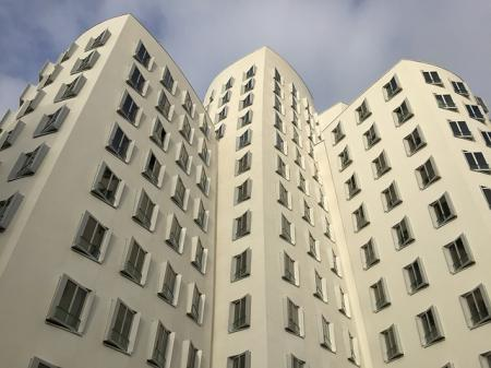 Developeři v Praze prodali v roce 2018 nejméně bytů za posledních 6 let