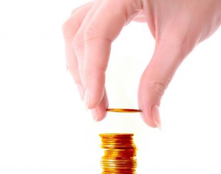 Hypotéky dál zlevňují. Průměrná sazba spadla pod 2,5 %