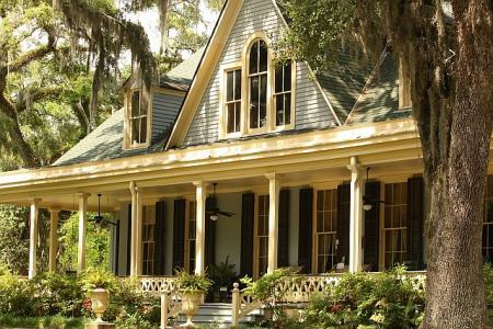 Koupit nový dům, nebo raději opravit starý?