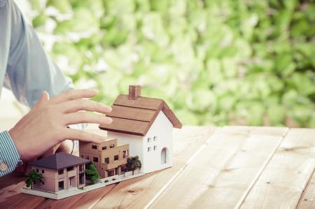 Na bydlení si lidé letos půjčili už 70 miliard