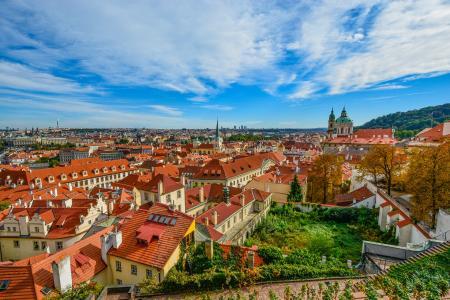 Některé nové byty 1+kk v Praze již dosahují k 100 000 korun za metr čtvereční