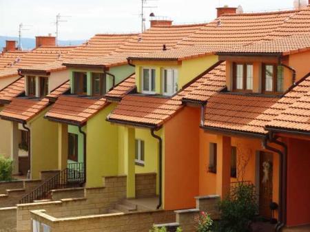 Nemovitosti na předměstí nemají o kupce nouzi
