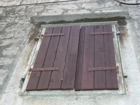 Nemovitosti v centru Prahy chátrají, i kvůli nedořešeným vlastnictvím