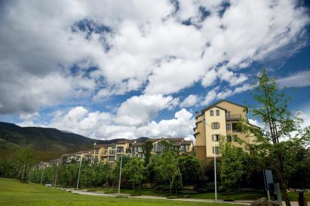 Nový rok přinesl vzestup cen bytů