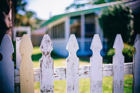Plánujete stavbu domu? Obstarejte si kvalifikovaný souhlas souseda