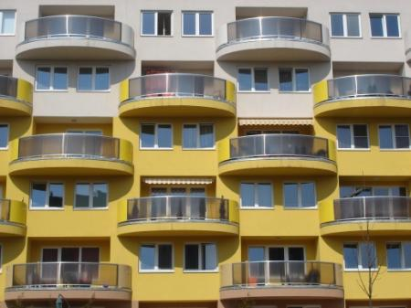 Po malých bytech se připojují k růstu cen i velké byty