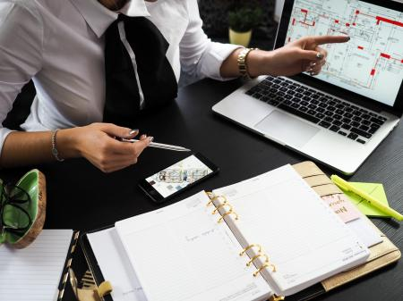 Pronajímat nemovitost sám nebo prostřednictvím specializované firmy?