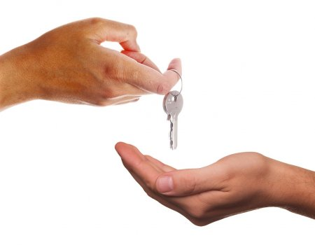 Služebnost nebo nájemní smlouva. Jaké jsou mezi nimi rozdíly?