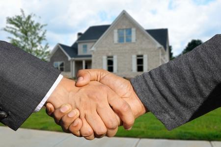 Úschova kupní ceny nemovitosti. Možnosti, výhody, rizika