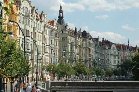V Praze na pořízení bydlení nestačí ani 10násobek ročního výdělku