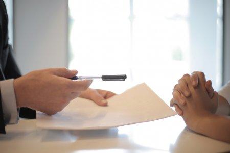 Vyloučením z bytového družstva zaniká právo nájmu k bytu